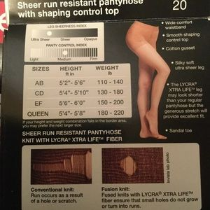 96cd9e305af peds Accessories - PEDS Women s Smooth Shaping Control Top Pantyhose